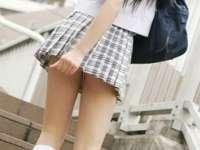Elevii unei şcoli din România nu mai au voie să meargă la ore cu părul vopsit,haine scurte ori transparente