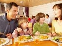 ETICHETĂ ȘI BUNE MANIERE: Cu copilul la restaurant