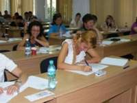 EXAMEN: Peste 230 de candidaţi din Maramureş susţin proba scrisă a examenului de definitivat