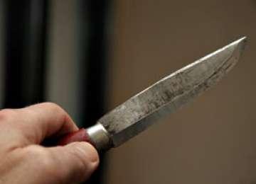 Executor judecătoresc amenintat cu un cuțit în comuna Repedea