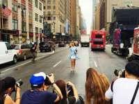 Fashion Week New York - Sigheteanca Andreea Clara Racz a oprit circulația pe un bulevard principal din metropolea americană