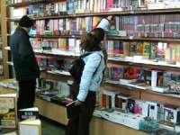 Femeile cu studii superioare, cele mai fidele cumpărătoare de carte din România