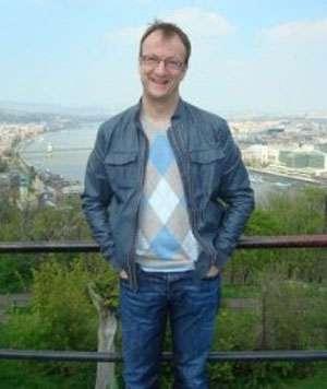 FINAL DE ANCHETĂ: Diplomatul britanic care şi-a pierdut viaţa după ce a căzut de la ultimul etaj al hotelului Mara din Baia Mare s-a sinucis. VIDEO ŞOCANT