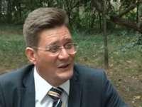 Fostul secretar general adjunct al PNL, Mihail Bălăşescu, a fost lovit în cap cu o vază şi sugrumat de fostul socru