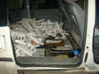 FOTO - 28.000 pachete țigări, în valoare de peste 250.000 lei, confiscate de către polițiștii de frontieră