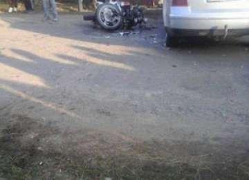 FOTO: ACCIDENT MORTAL – Un motociclist din Ruscova a murit. Acesta nu avea permis iar motocicleta nu era înmatriculată