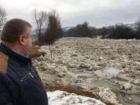 FOTO - Gospodării inundate la Oncești