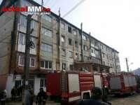 FOTO: INCENDIU – Un bărbat beat din Vișeu de Sus a dat foc intenționat apartamentului în care locuia