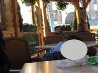 """FOTO - Întâlnire în doi cu tandrețuri între unul dintre """"instalatorii"""" lui Oros și o consilieră locală PNL Sighet"""