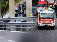 FOTO - Microbuz cu ROMÂNI, implicat într-un cumplit accident în Austria: CINCI MORŢI și DOI RĂNIŢI