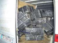 FOTO: SARASĂU - 18.500 pachete cu ţigări, confiscate la frontieră