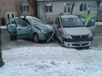 FOTO: SIGHET - Accident de circulație pe fondul neacordării de prioritate, soldat cu un rănit
