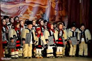 """FOTO - SIGHET: Peste cinci sute de colindători au participat la Concertul de colinde """"CRĂCIUN ÎN  MARAMUREŞ"""""""