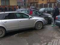 FOTO: SIGHET - Trei mașini avariate în urma unui accident rutier