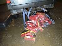 FOTO - Țigări în valoare de peste 35.000 lei confiscate de polițiștii de frontieră în Petrova și alte localități