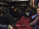 FOTO & VIDEO - 111 persoane intenţionau să iasă ilegal din România, ascunse în interiorul unui automarfar