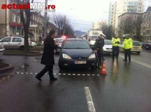 FOTO + VIDEO: BAIA MARE - Pieton accidentat pentru că a traversat fără să se asigure