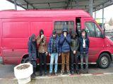 FOTO & VIDEO: PETEA - Patru afgani și doi vietnamezi ascunși într-un microbuz și doi cetățeni iranieni, opriți la frontiera cu Ungaria