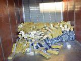 FOTO&VIDEO: Desești și Valea Vișeului - 14.500 pachete cu țigări de contrabandă, confiscate de polițiștii de frontieră maramureșeni