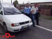 FOTO&VIDEO: INCREDIBIL - Un șofer beat criță a adormit la volan pe o stradă din Baia Mare
