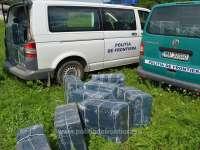 FOTO&VIDEO - Sarasău: Aproximativ 55.000 de pachete cu ţigări de contrabanda confiscate la frontiera cu Ucraina