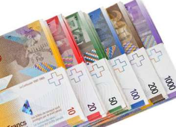 Francul elvețian s-ar putea aprecia din cauza turbulențelor din Grecia