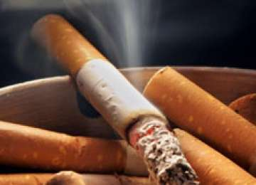 Fumul de țigară din podele, ziduri, haine crește riscul de cancer pulmonar