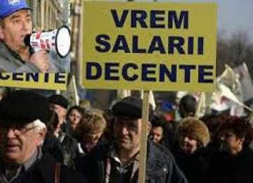 Funcționarii publici ameniță cu boicotarea alegerilor locale dacă Parlamentul nu va elimina discrepanțele salariale