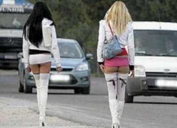 """""""Iubire"""" contra-cost: Două prostituate i-au furat portmoneul unui băimărean"""