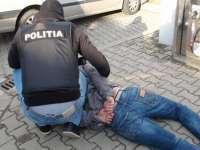 Furturi soluţionate de poliţişti. Doi tineri reţinuţi pentru 24 de ore