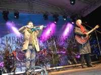 """GALERIE FOTO - """"Decembrie în Maramureș"""" a continuat cu un extraordinar concert susținut de Ducu Bertzi și alți artiști îndrăgiți"""