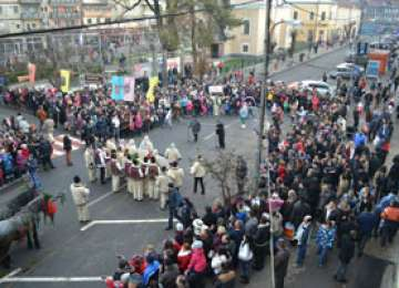 """GALERIE FOTO - Prima zi a Festivalului de datini și obiceiuri de iarnă """"Marmația"""" 2013, un succes"""