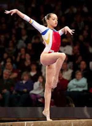 GIMNASTICĂ: Larisa Iordache, medalie de aur la Cupa Mondială