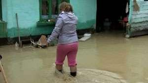 Gospodării inundate în Maramureş în urma ploilor abundente
