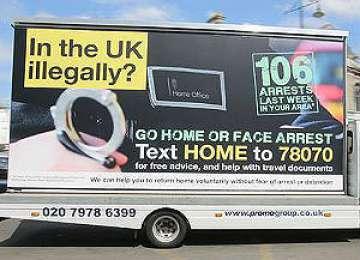 Guvernul britanic îşi apără campania prin care cere imigranţilor ilegali să plece pentru a nu fi arestaţi