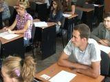 HG - Absolvenții cu 10 la Bacalaureat și Evaluarea Națională vor primi sume de bani substanțiale
