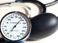 Hipertensiunea, un factor de risc la fel de periculos pentru persoanele slabe şi cele obeze