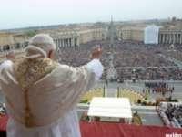 HRISTOS A ÎNVIAT! - Peste două miliarde de creștini sărbătoresc astăzi Paștele catolic