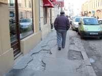 Şi trotuarele din Sighet au nevoie de reparaţii
