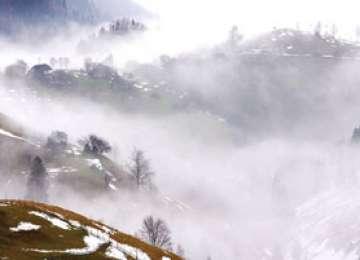 Iarna îşi intră în drepturi. Au căzut primii fulgi de nea în Maramureş