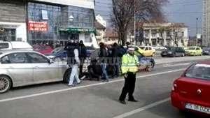 Iaşi: VIDEO spectaculos cu mai mulţi infractori prinşi de poliţişti