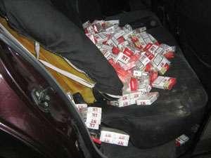 Ţigări de contrabandă confiscate de poliţiştii sigheteni
