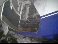 IMAGINI ŞOCANTE - ROMÂNIA, țara în care supraviețuiești unui accident aviatic, dar mori de frig în pădure. Pilotul Adrian Iovan a rămas încarcerat între fiarele contorsionate ale avionului