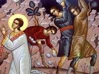 În 27 decembrie, de Sfântul Ştefan, peste 450.000 de români îşi serbează onomastica