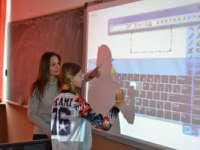 """ÎN PAS CU TEHNOLOGIA: Table interactive pentru elevii școlii gimnaziale """"Lucian Blaga"""" din Fărcaşa (FOTO)"""