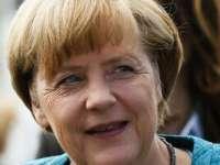 Înainte de alegeri, Angela Merkel face promisiuni de miliarde de euro