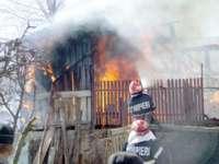 INCENDII: Nouă intervenții în patru zile pentru pompierii maramureșeni. Două case au fost cuprinse de flăcări