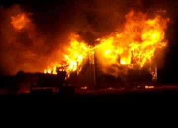 INCENDIU – O gospodărie din Borşa, mistuită de flăcări