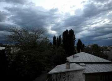 Informare meteorologică: Vreme instabilă în întreaga ţară, începând de duminică, ora 16:00