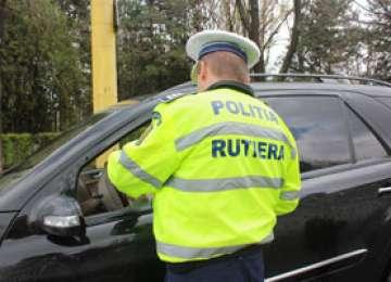 Infracţiuni la regimul rutier constatate de poliţişti